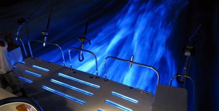Iluminacion subacuativa luz en el casco - Focos led con luces de colores ...