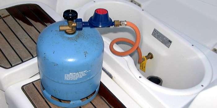 Cocina del barco - Botella camping gas ...